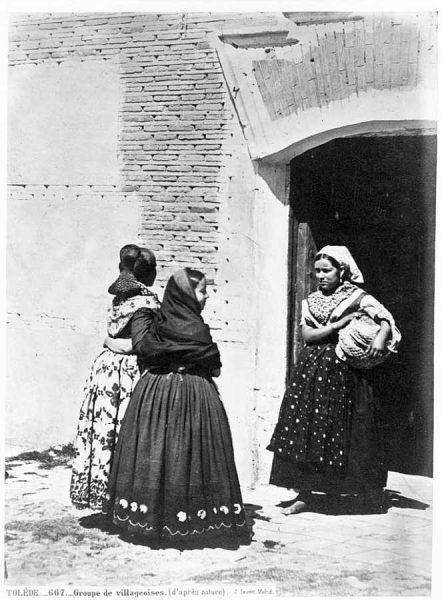 0667 - Groupe de villageoises