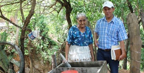 http://www.toledo.es/wp-content/uploads/2017/10/agua-nicaragua.jpg. Impactos de los programas rurales del Fondo de Cooperación para Agua y Saneamiento en Nicaragua