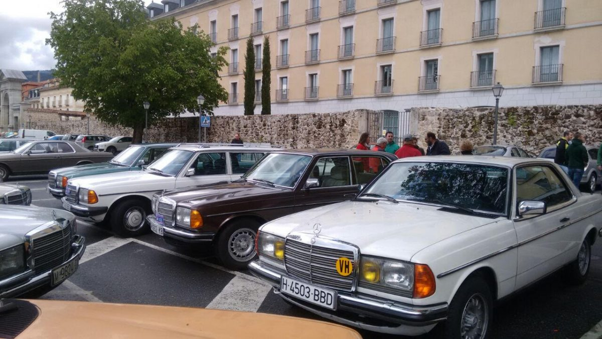 http://www.toledo.es/wp-content/uploads/2017/10/coches-1-1200x675.jpg. Toledo acoge una concentración nacional que traerá un centenar de Mercedes clásicos w123 el sábado al paseo de Recaredo