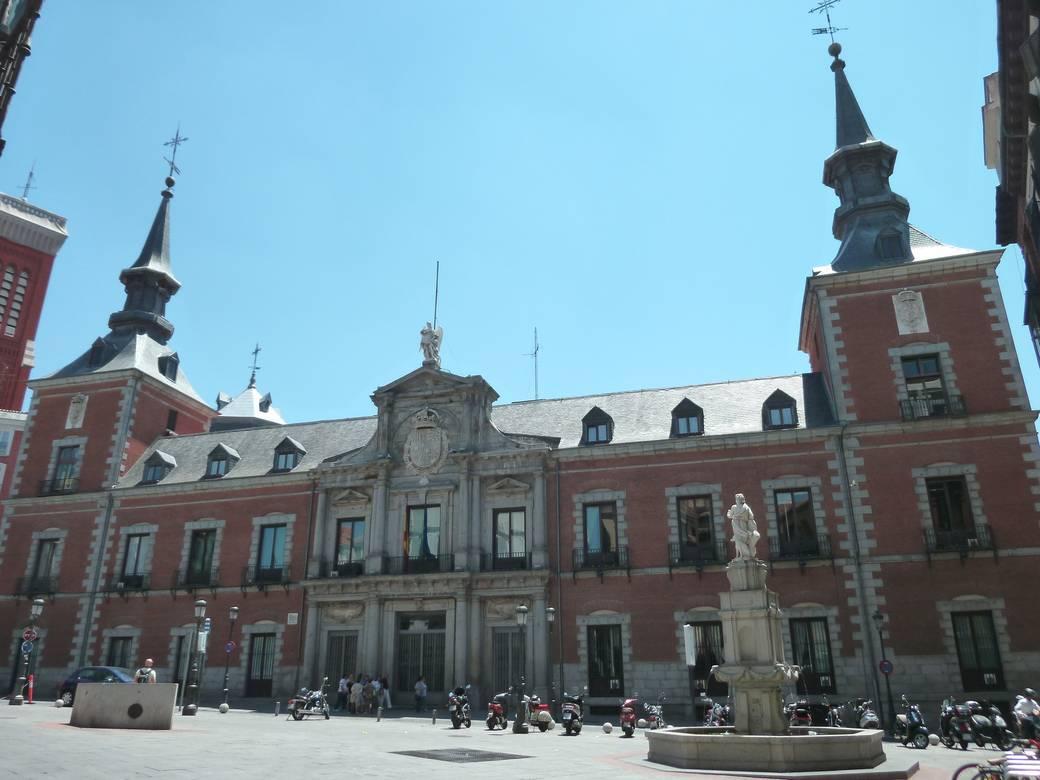 http://www.toledo.es/wp-content/uploads/2017/10/csm_palacio_de_santa_cruz__madrid__03_b109abdb0c.jpg. El nuevo Plan de Empresa y Derechos Humanos: un paso insuficiente