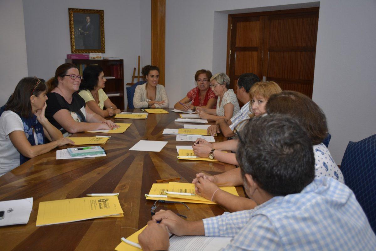 http://www.toledo.es/wp-content/uploads/2017/10/ines-sandoval_ii-plan-de-igualdad-1200x800-1-1200x800.jpg. El II Plan de Igualdad avanza en la comisión técnica y el proceso participativo abierto a través de internet hasta el 15 de octubre
