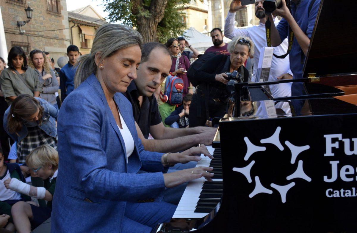 """La música de """"Pianos en la Calle"""" y el arte de """"Cohete Toledo"""" llenan el Casco Histórico de actividades culturales"""