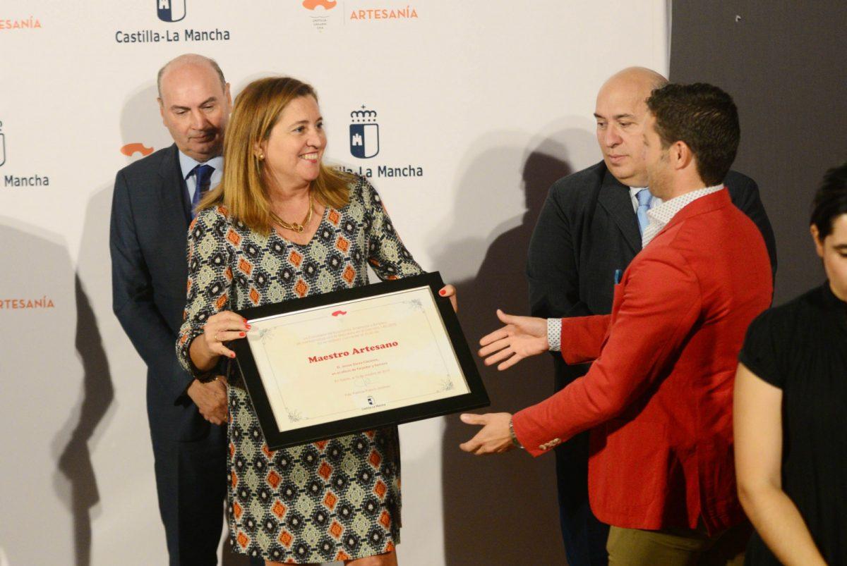 https://www.toledo.es/wp-content/uploads/2017/10/reconocimientos-farcama-01-1200x803.jpg. El Consistorio, en la entrega de Medallas y Placas al Mérito Artesano de Castilla-La Mancha