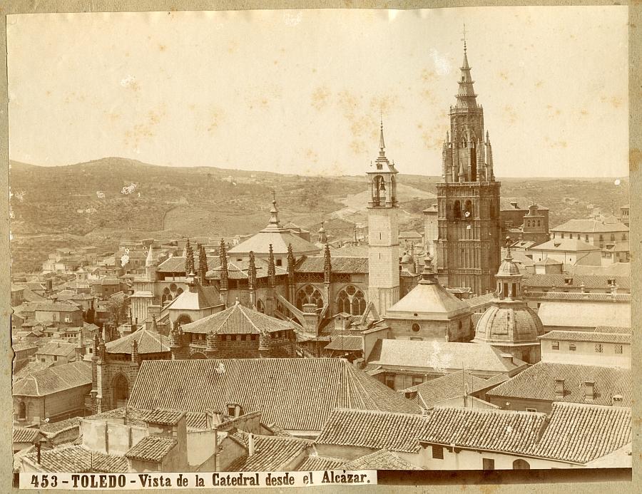 https://www.toledo.es/wp-content/uploads/2017/11/00453-vista-de-la-catedral-desde-el-alcazar.jpg. Toledo en las fotos de Thomas (1884, 1910)