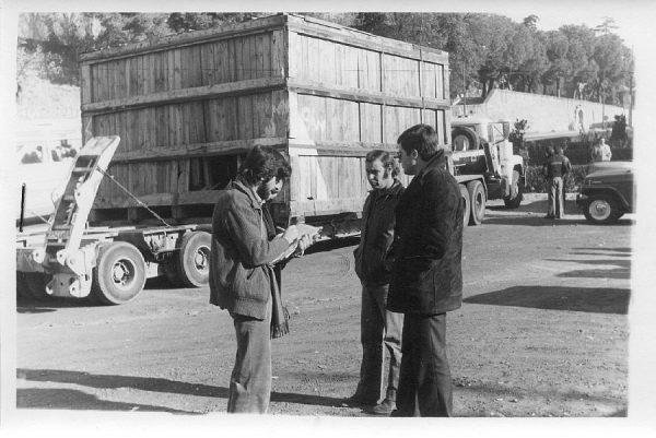 01_La escultura Lugar de encuentros de Chillida llega a Toledo el 4 de diciembre de 1981