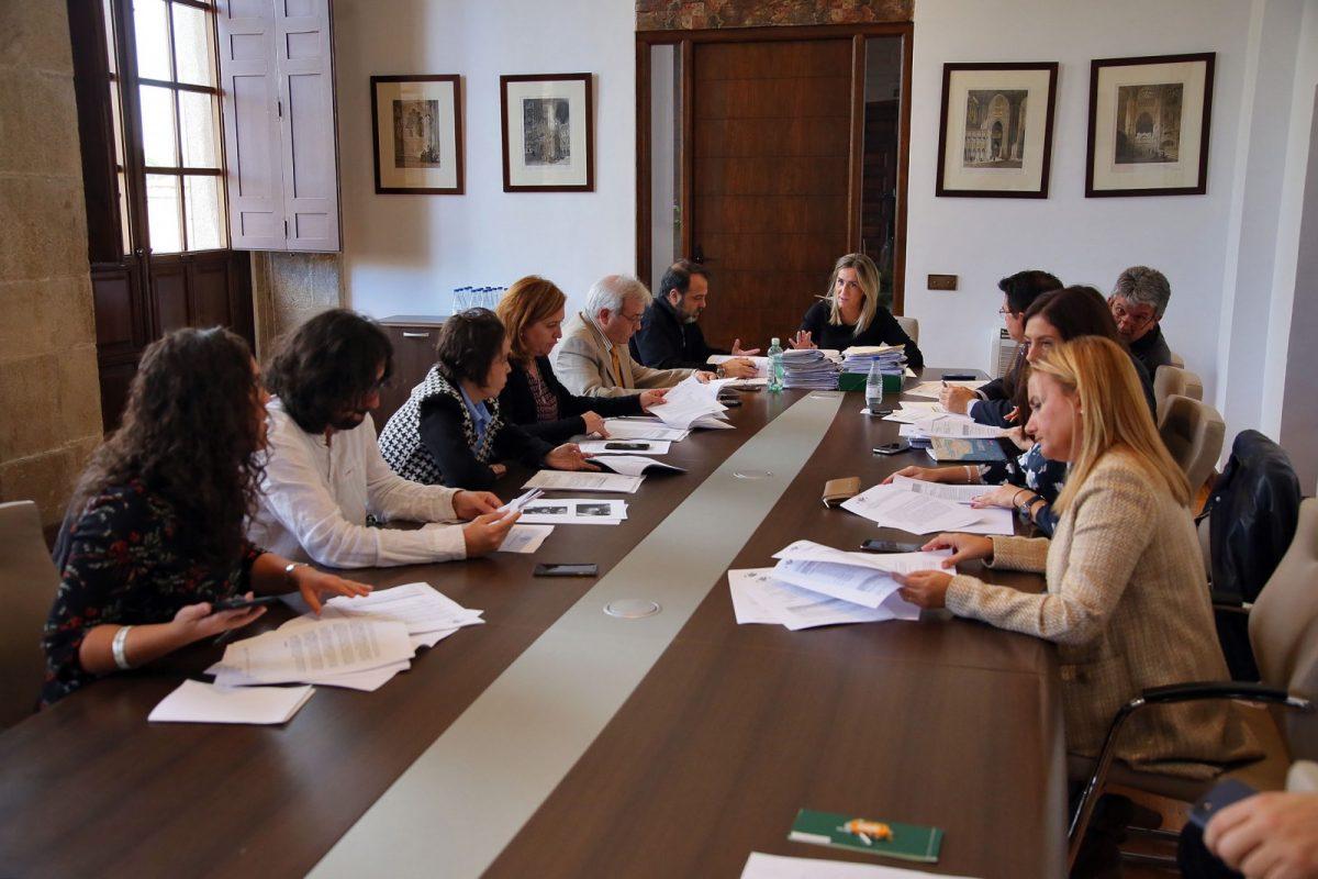 Adjudicadas nuevas obras municipales para mejora de alumbrado y juegos infantiles por 600.000 euros