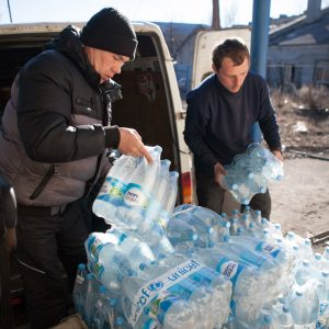 a escalada del conflicto en el este de Ucrania pone en riesgo los servicios básicos para millones de personas