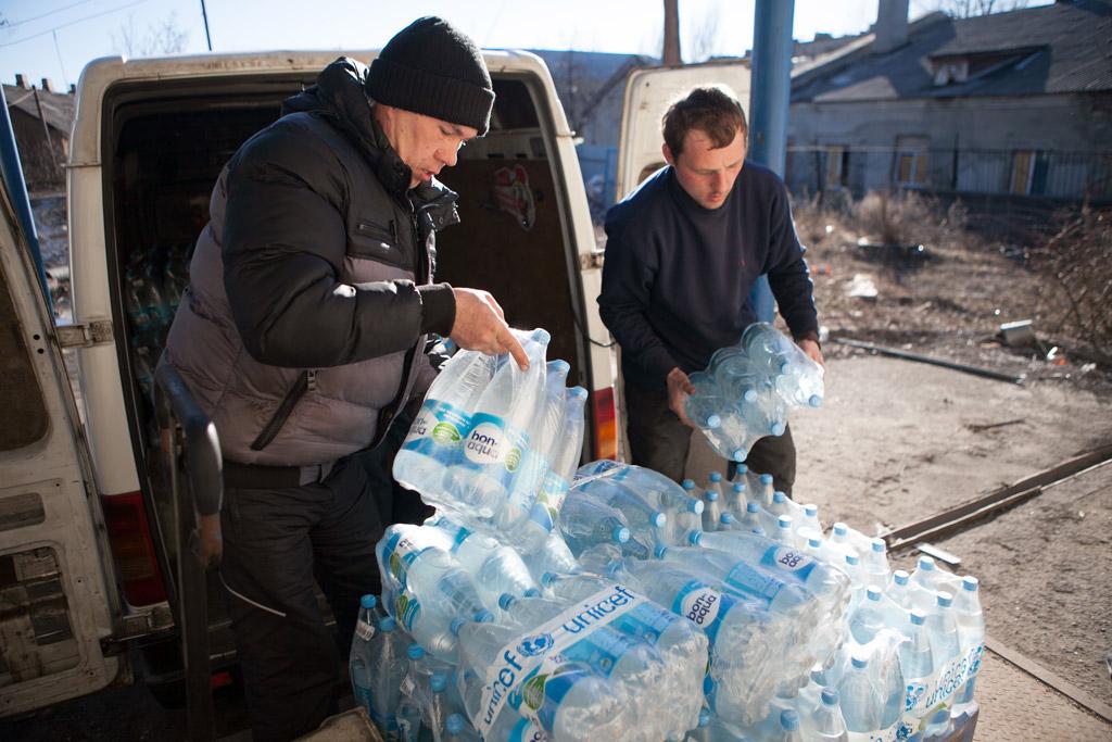 La escalada del conflicto en el este de Ucrania pone en riesgo los servicios básicos para millones de personas