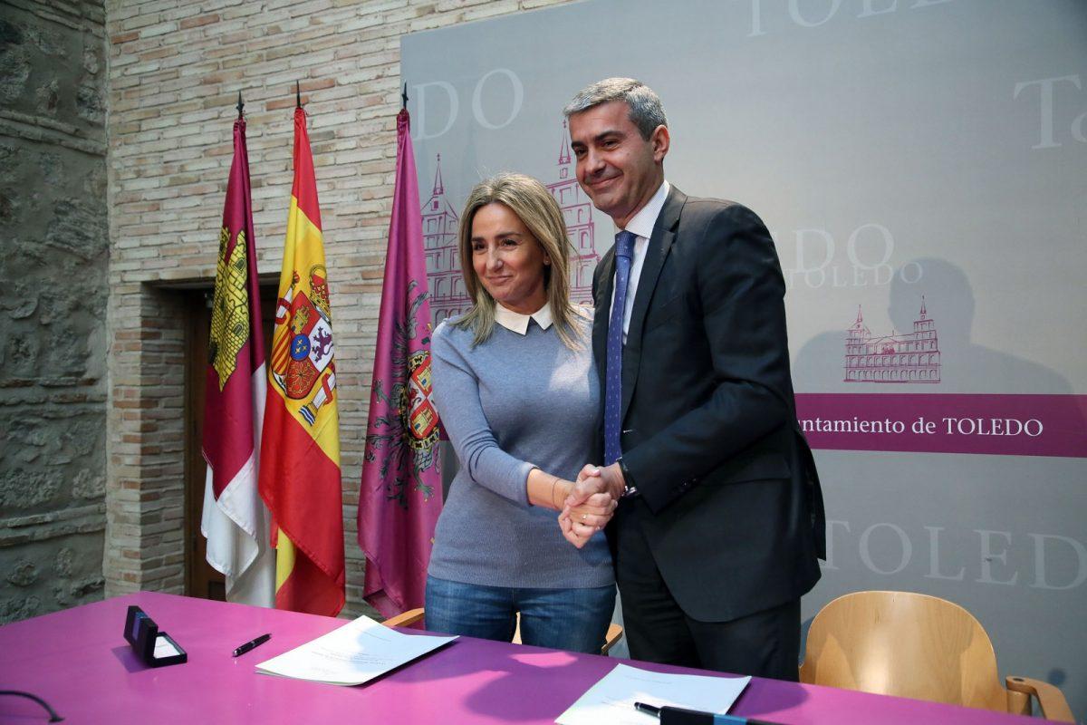 La alcaldesa firma con el presidente de la Diputación la renovación del convenio para mantener y ampliar la oferta cultural de Toledo