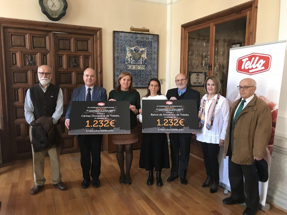 Ayuntamiento y Tello entregan al Banco de Alimentos y Cáritas más de 2.400 euros del III Campeonato Internacional de Jamón