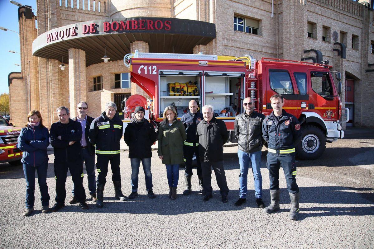 Milagros Tolón destaca la renovación automovilística del Parque de Bomberos con la incorporación de una nueva autobomba rural