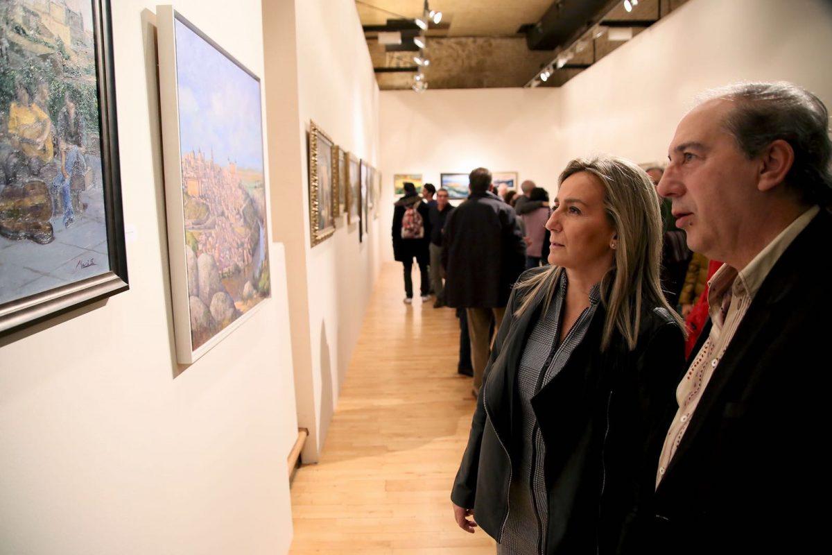 San Marcos acoge hasta el 23 de diciembre la exposición de pintura del grupo 'Tres colores, tres culturas' en su 20 aniversario