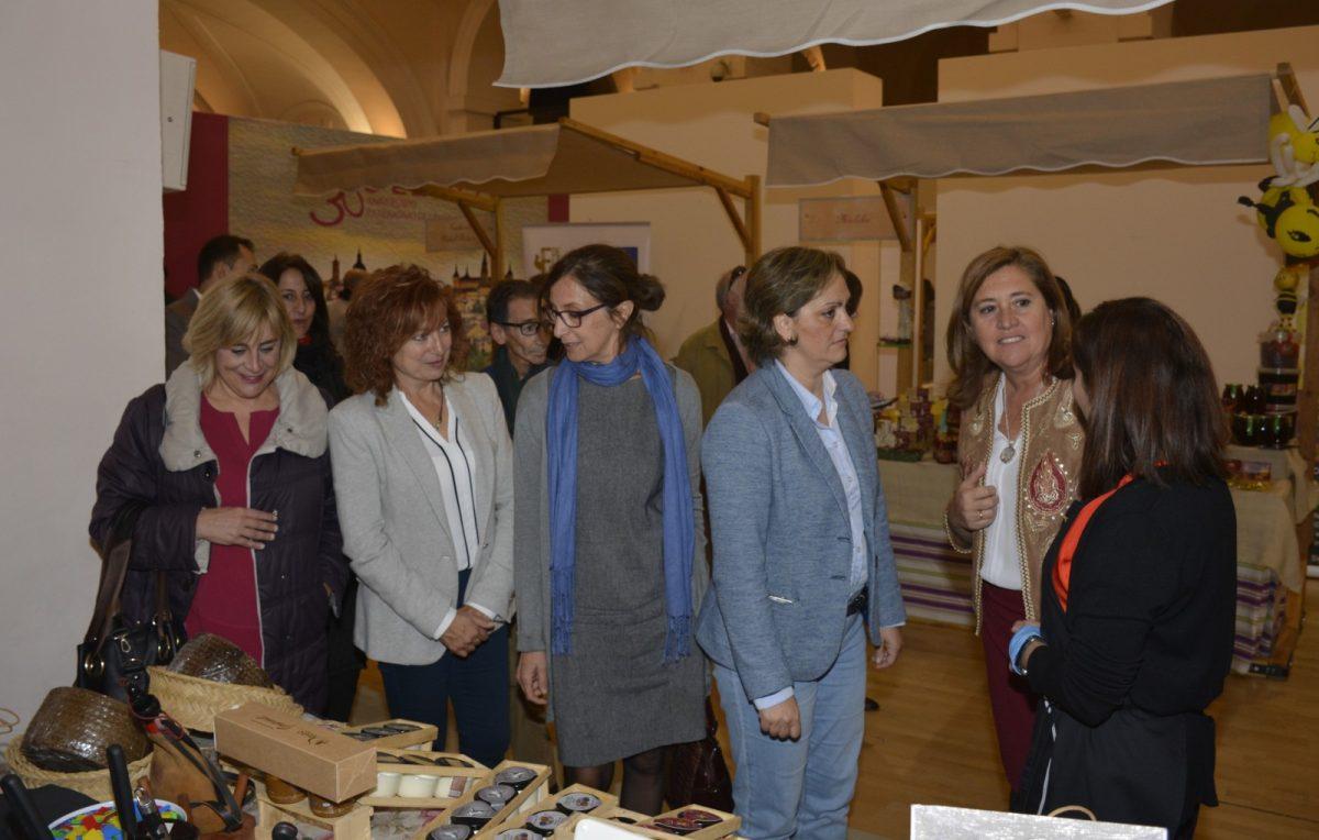 El Ayuntamiento arropa la inauguración de la Muestra Gastronómica Provincial que hasta el domingo acoge San Marcos