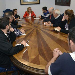 Reunión con representantes de las asociaciones de vecinos de la ciudad para ultimar el programa de Fiestas de Navidad