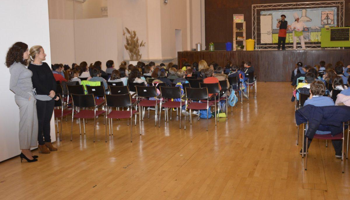 http://www.toledo.es/wp-content/uploads/2017/11/teatro_ecovidrio-1200x687.jpg. Más de 20 colegios participan en la nueva campaña de reciclaje de vidrio impulsada por el Ayuntamiento, la Junta y Ecovidrio