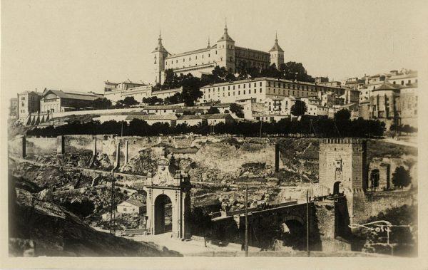 01 - Puente de Alcántara y Alcázar