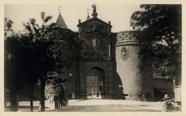 01 - Puerta de Bisagra