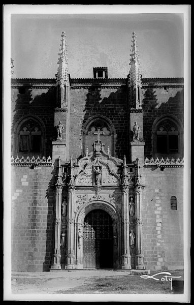 03 - Fachada de la iglesia de San Juan de los Reyes