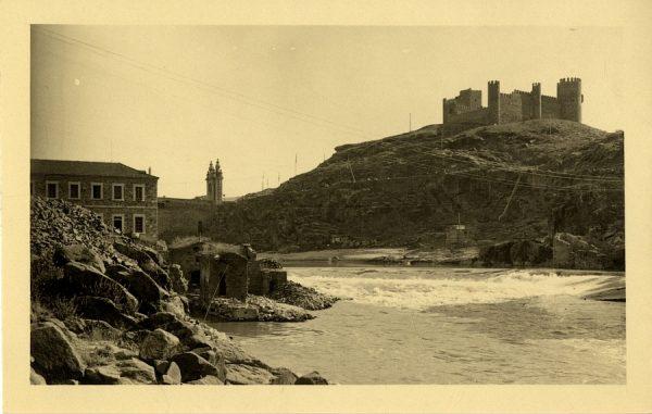 03 - Vista del castillo de San Servando y el río Tajo