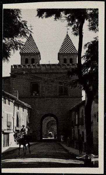 04 - Puerta de Bisagra nueva