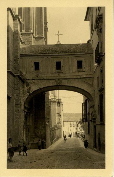07 - Calle Arco de Palacio