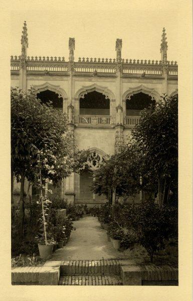 08 - Patio del Claustro de San Juan de los Reyes