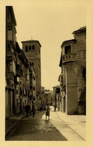 1 - Calle e iglesia de Santo Tomé