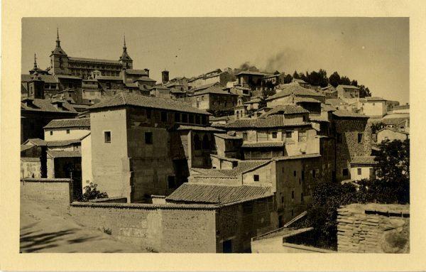 20 - Vista del Alcázar desde la plaza de don Fernando