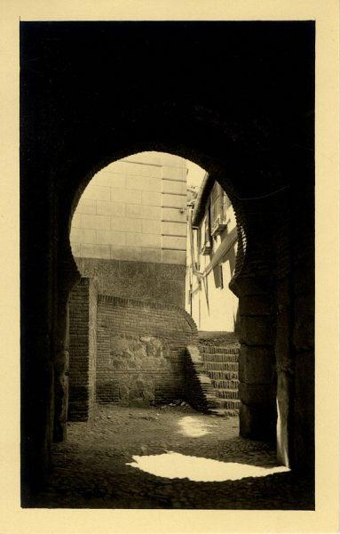 4 - Interior de la puerta de Alfonso VI