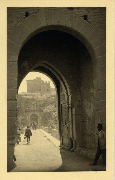 43011_AMT - Puerta y puente de Alcántara