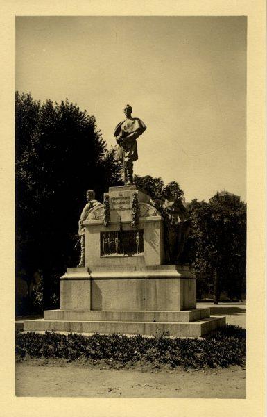 43028_AMT - Monumento al comandante Villamartín en el paseo de Merchán