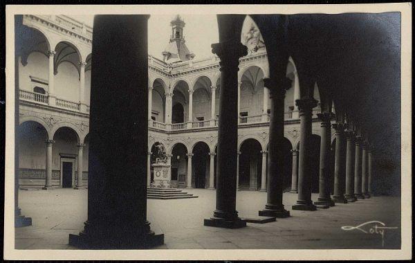 43059_AMT - Alcázar. El patio