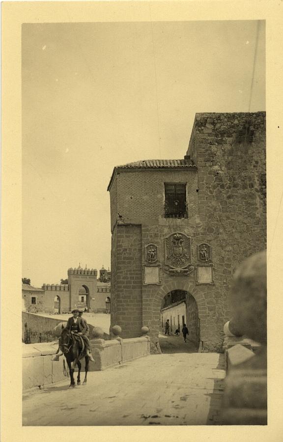 """Toledo en las fotos de """"Loty"""" (1928)"""