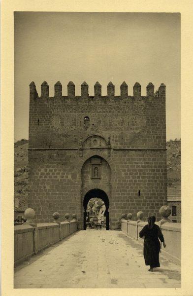 43088_AMT - Puerta del puente de San Martín