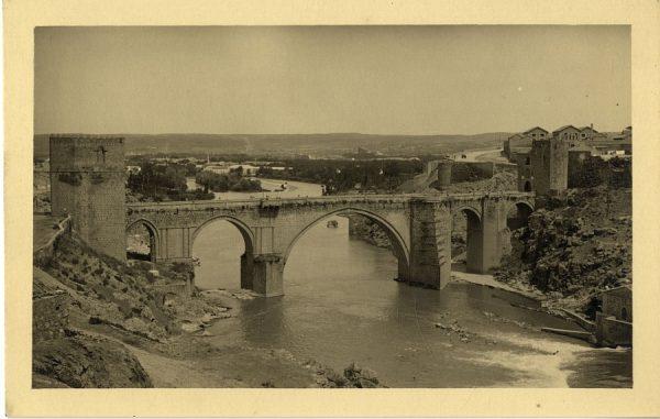 43094_AMT - Vista del puente de San Martín y la Fábrica de Armas