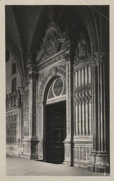 43104_AMT - Catedral. Puerta de la Presentación en los Claustros