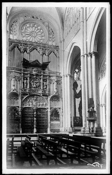 43109_AMT - Catedral. Interior de la Puerta de los Leones