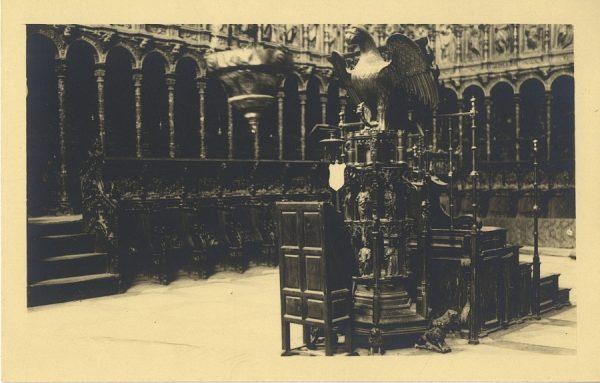 43123_AMT - Catedral. Facistol en el Coro