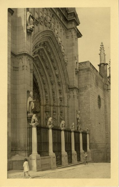43131_AMT - Catedral. Puerta de los Leones