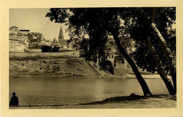 43165_AMT - Vista de la Catedral, barrio de los Tintes y Totrre del Hierro