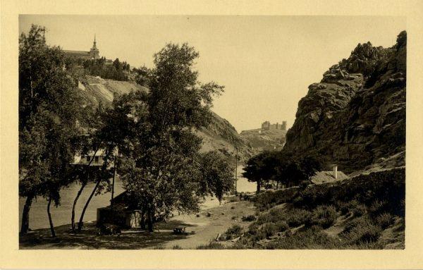 43166_AMT - Vista del castillo de San Servando y la Casa del Diamantista