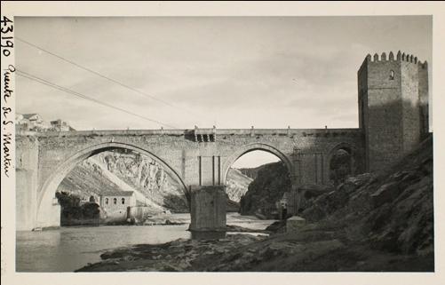 43190_ADPT - Vista del puente de San Martín y central eléctrica aguas abajo