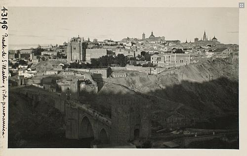 43196_ADPT - Vista panorámica de Toledo desde la Solanilla