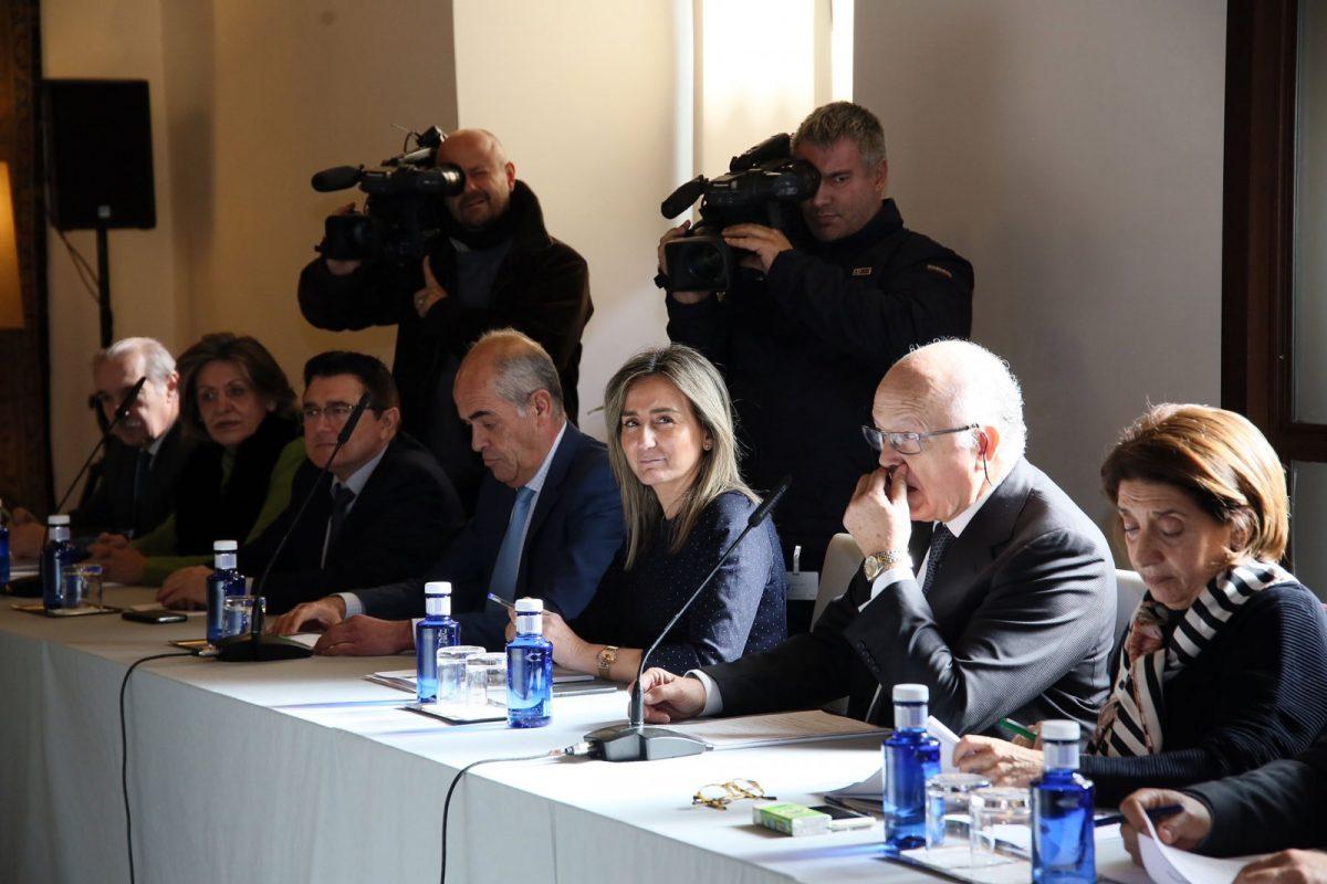 La alcaldesa felicita a Paloma Acuña, que hoy ha sido elegida presidenta del Patronato de la Real Fundación Toledo