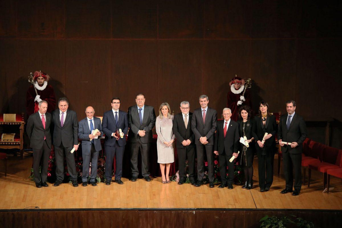 """La alcaldesa destaca de los premiados en el Día de la Ciudad su contribución a que Toledo progrese """"con fortaleza y buen ritmo"""""""