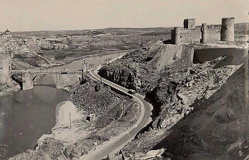 A Toledo (1955 ca)_Imagen
