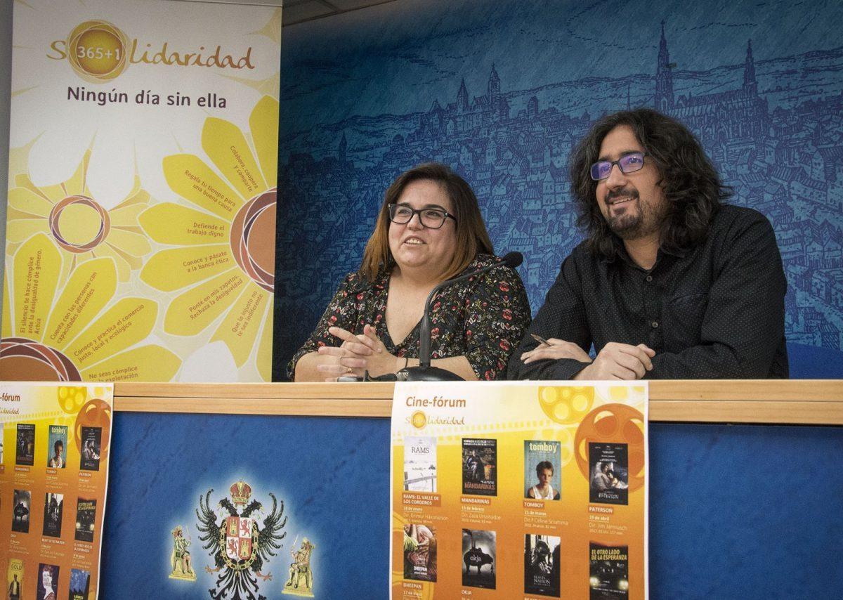 http://www.toledo.es/wp-content/uploads/2018/01/presentacion-cine-forum-1-1200x854-1-1200x854.jpg. Regresa el ciclo de Cine-Fórum Solidario con el que el Ayuntamiento ofrece doce películas para educar en valores