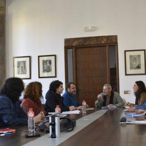 El experto Marco Marchioni se reúne con miembros del Gobierno local para abordar el proyecto de intervención social del Polígono