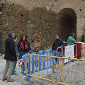El Ayuntamiento trabaja en la mejora y recuperación del pavimento del Corralillo de San Miguel el Alto del Casco Histórico