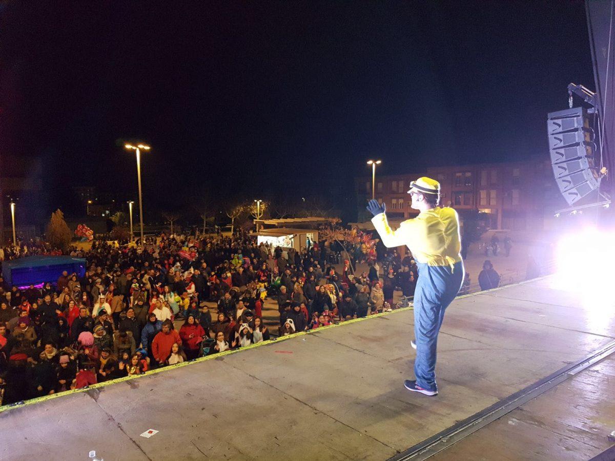 Los barrios de Toledo se suman a la celebración del Carnaval con gran afluencia de público en desfiles y verbenas